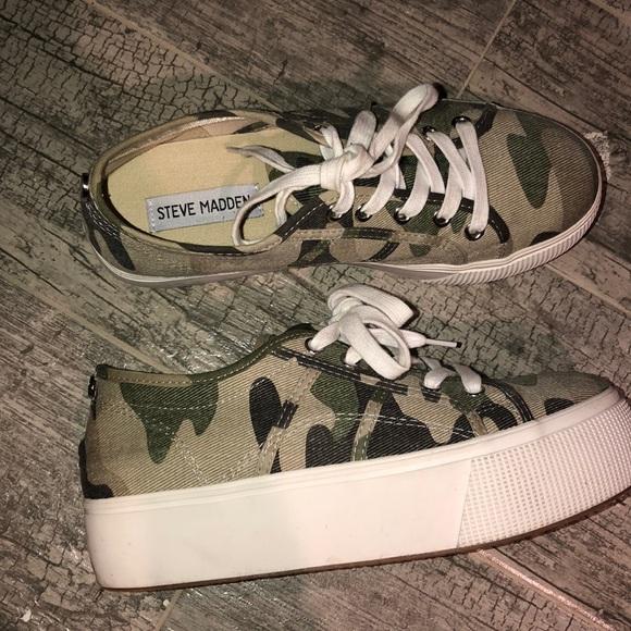 Steve Madden Camo Platform Sneaker